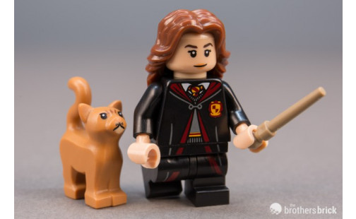 Hermiona Grangerová ve školním hábitu
