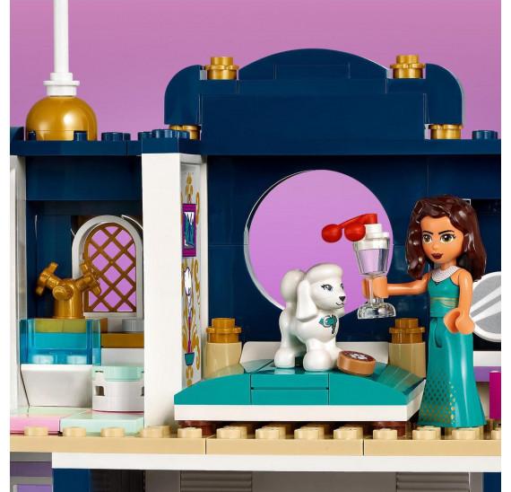 LEGO® Friends 41684 Hotel v městečku Heartlake